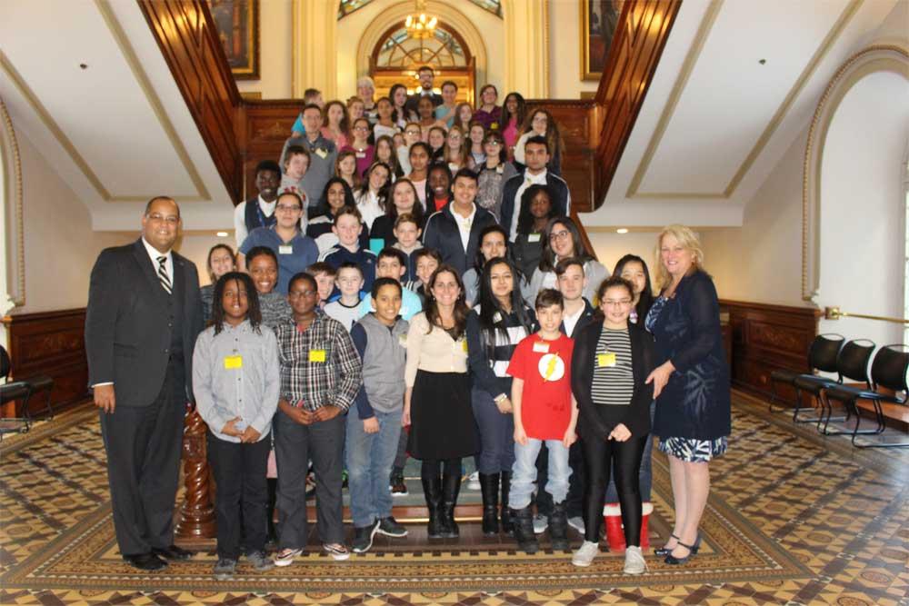 Une délégation d'élèves du primaire et du secondaire de la circonscription à l'Assemblée nationale