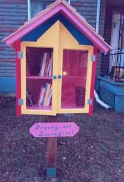 Les deux premières micro-bibliothèques de Pont-Viau sont maintenant là!