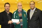 Le député de Laval-des-Rapides Saul Polo  s'associe au programme sportif parascolaire du club de soccer Centre-Sud de Laval.